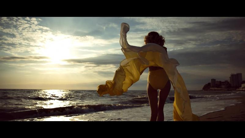 «Случайная» Модель Катя Онищенко в платье от DolceDress